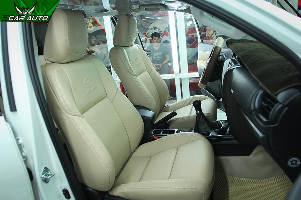 Bọc ghế da xe Fortuner