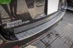 Nẹp chống trầy cốp sau xe Kia Sedona