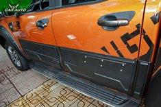 Ốp hông xe Ford Ranger