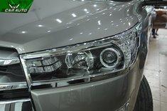 Viền đèn xe Innova