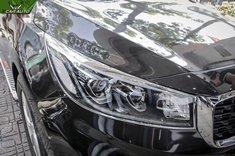 Viền đèn xe Kia Sedona